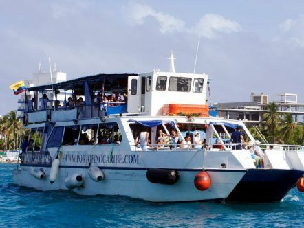 TOUR POR LA BAHIA CATAMARAN TRITON GEMINIS