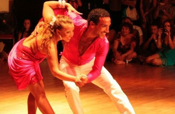 THE MOST TYPICAL DANCES IN COLOMBIA